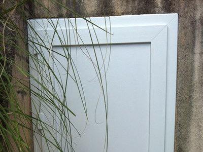 Porte PVC machinerie piscine