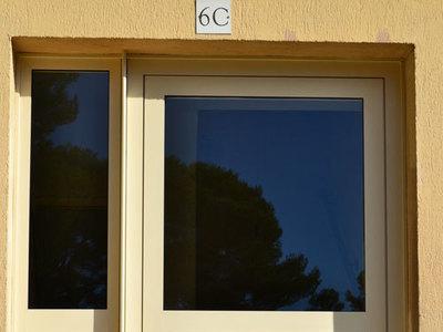 Porte d'entrée à 1 vantail + fixe